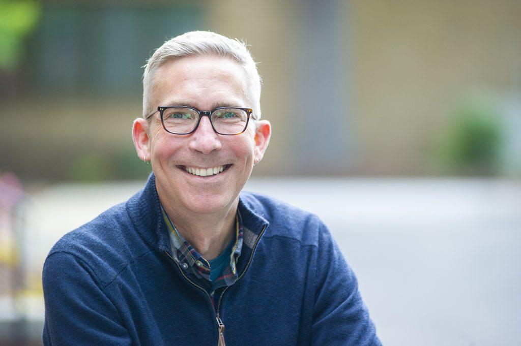 Headshot of Damon Seils